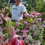 CHRON Mr Bland showcasing the Tree Lilies and Black Stemmed Hydrangea